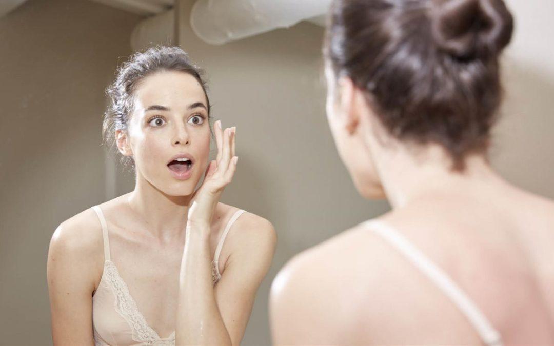 Des zones faciales qui donnent votre âge et vous font paraître plus âgé