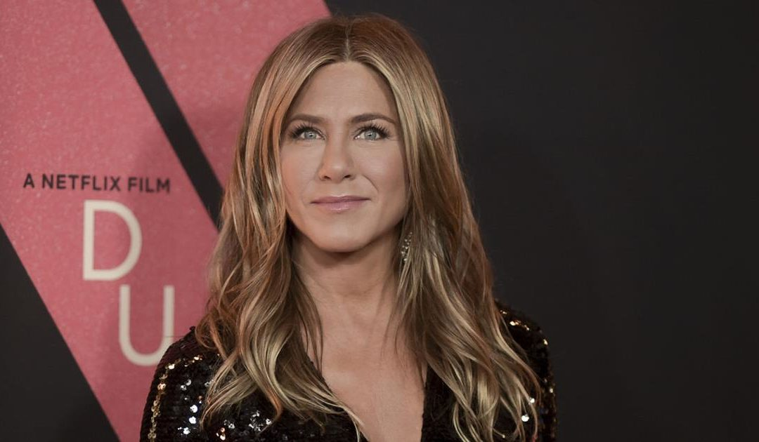 Le traitement facial de Jennifer Aniston s'appelle Remodeling Face et c'est la chose la plus importante.