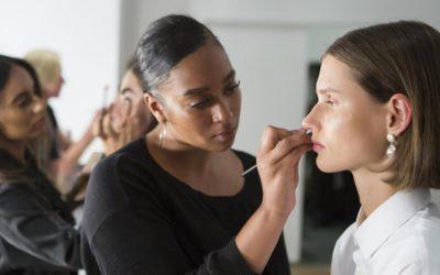 Maquillage non comédogène idéal en cas d'acné