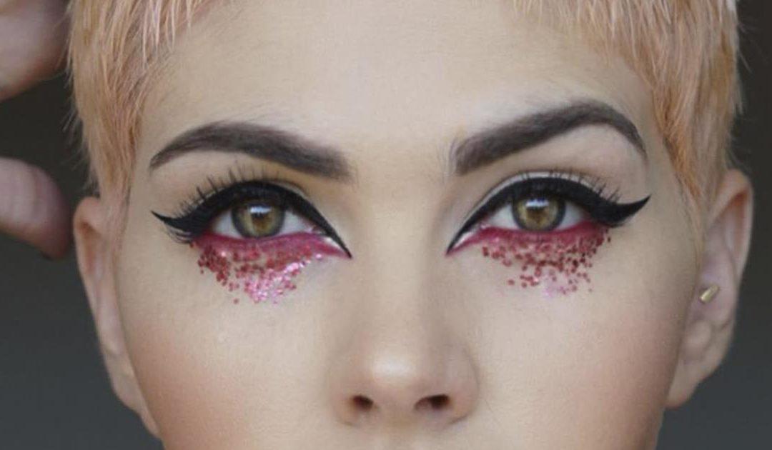Tu oserais oser avec ces maquillages de fête de Noël ? C'est total !
